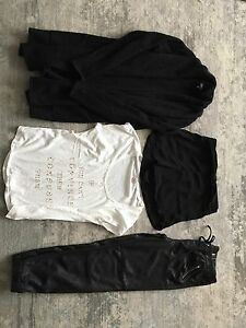 Aritzia lot xsmall 7$ for all