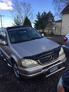 Mercedes Benz ml 500 AMG parting out.