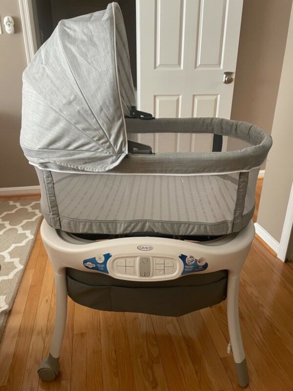 Graco Sense2soothe bassinet with cry-detection techonology