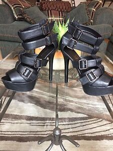 Strappy heel, size 9-10