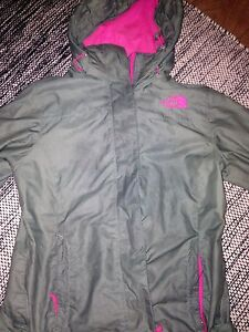 The north face army green windbreaker