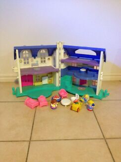 Fisher Price Little People Doll House + furniture + figurines Eight Mile Plains Brisbane South West Preview