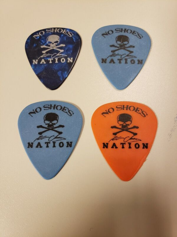 Kenny chesney Band Guitar picks.