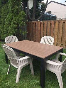 Ensemble patio table et chaises