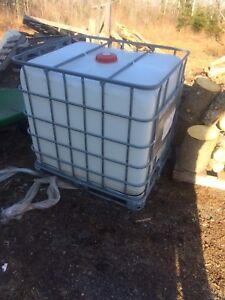 Water, Tote  ,container  , 1000L , ♻️ #2 food grade!!