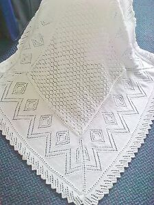 STUNNING NEW HAND KNITTED BABY SHAWL/.BLANKET 40 X 40 INS WHITE
