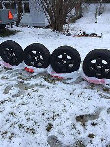 Roues avec pneus 225/55R17  Québec City Québec image 1
