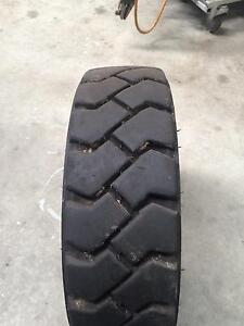 forklift tyre Burdell Townsville Surrounds Preview