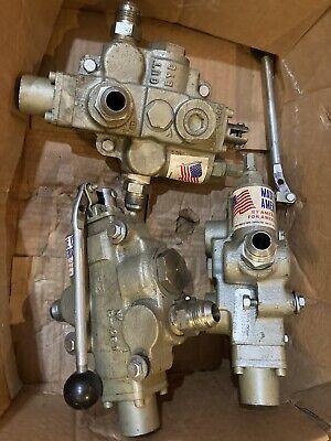 3 Prince Mfg Hydraulic Control Valves C-481 W Handles