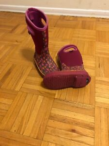Girl's Winter Boots (Bogs)