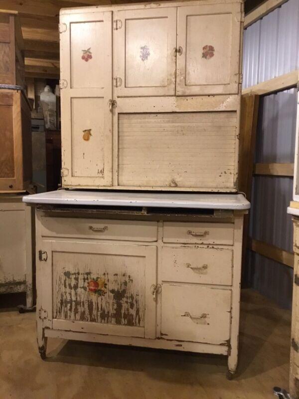 Hoosier Like Kitchen Cabinet - Napanee Cabinet w/ Flour Bin