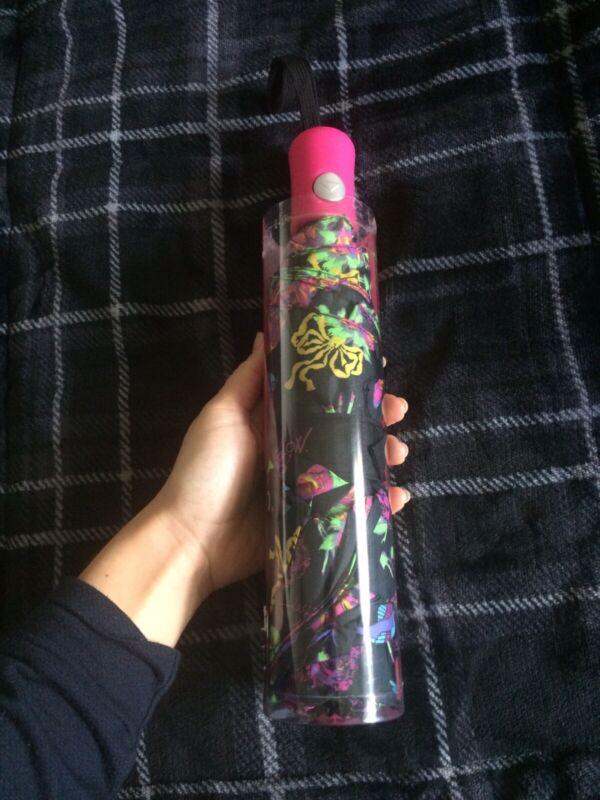 Betsey Johnson Auto Open Umbrella Hummignbirds and Roses