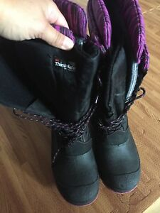 Ladies size 7 Thinsulate boot
