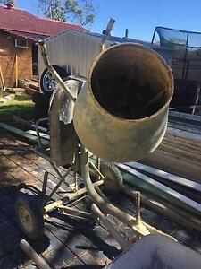 Cement Mixer Kanwal Wyong Area Preview