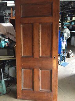 Solid hoop pine door 860 x 2055 x 40