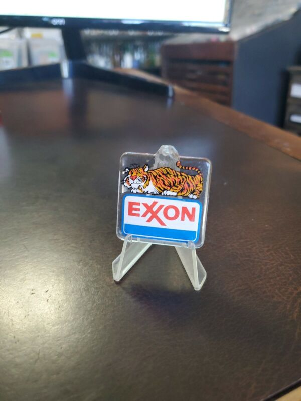 Vintage 1980s Exxon Tiger Keychain Fob Freys Exxon New Berlinville Pa