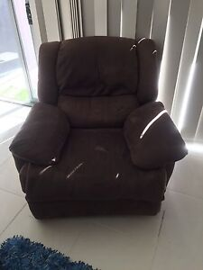 Couch - need gone immediately Mountain Creek Maroochydore Area Preview