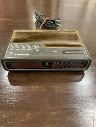 GE Digital Alarm Clock Radio Vintage Model 7-4612A Tested Working