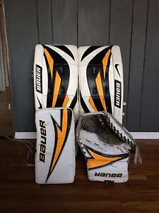 Bauer senior pro goalie pads and trapper