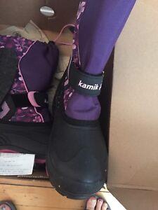 NEW Kamik girls purple winter boots