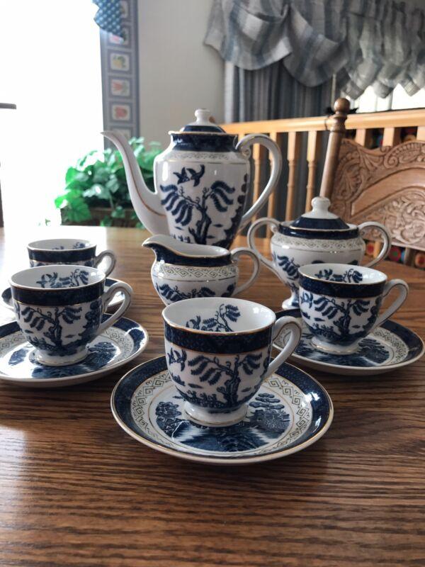 Blue Willow Tea Set