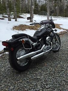 2004 Yamaha V-Star 650 (Low KM's - Great Price!!)