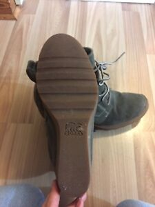 Sorel ankle boots size 8.5
