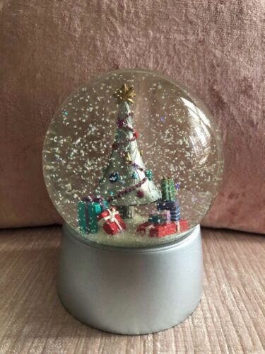 Nordstrom 2013 Limited Edition Snow Globe Snowglobe in Nordstrom Box, RARE