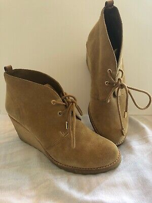 e75c108805bf Tory Burch boots wedge platform gum sole 9 ankle Tan Brown suede Vicki  Chukka