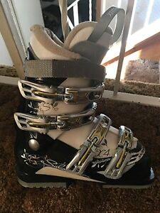 Junior Ski Boots -Size 23