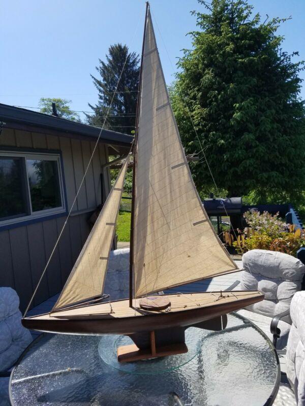 RYS/NYYC antique exceptional large sailing planked pond boat varnished