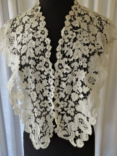 EXQUISITE ANTIQUE BRUSSELS DUCHESS LACE SHAWL COLLAR..COLLECTOR STUDY