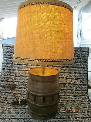 Mid Century Brandt Ranch Oak wagon-wheel hub table lamp w/shade vintage 1960's  (Oak Wagon Wheel)