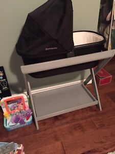 Uppababy Bassinet and stand