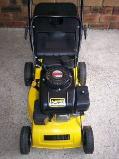 4 STROKE,SERVICED SANLI LAWN MOWER.LIKE NEW WITH CATCHER. Runcorn Brisbane South West Preview