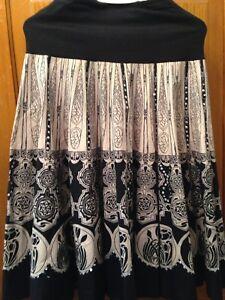 Skirt - Size L