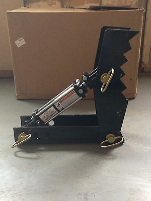 "LINVILLE     18"" Heavy duty HYDRAULIC backhoe THUMB mini excavator hoe clamp"