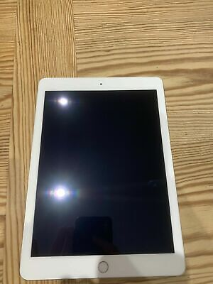 Apple iPad 5th Gen. 128GB, Wi-Fi, 9.7in - Silver