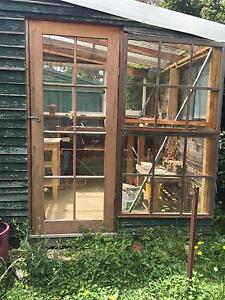 GREEN HOUSE SWAP FOR SOMETHING ! Glenroy Moreland Area Preview