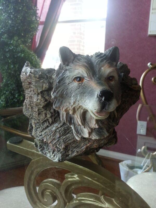 Wolf Item Holder