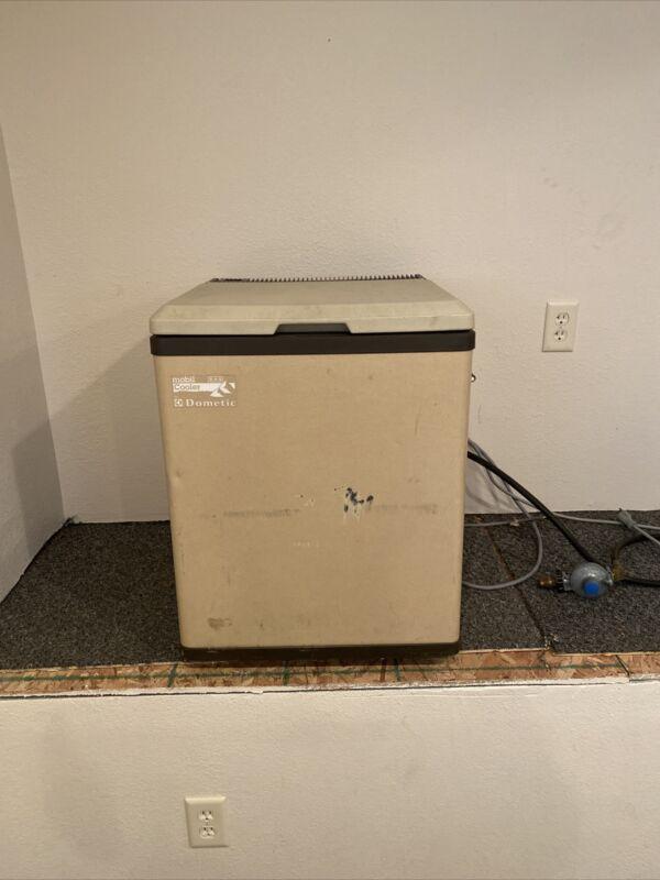 Dometic Mobil Cooler Model FC 140