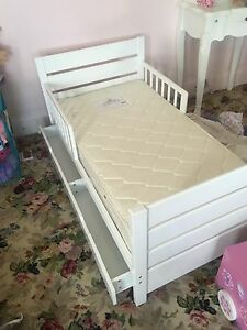 Toddler bed and mattress Elizabeth Town Meander Valley Preview