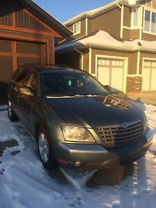 2006 Chrysler Pacifica leather SUV, Crossover