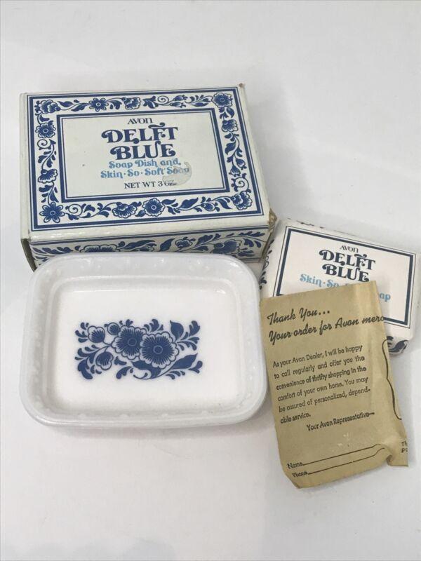 Vintage Avon 1970s Delft Blue Soap Dish W Soap