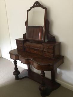 Antique Victorian Mahogany Mirror Backed Duchess Dressing Table