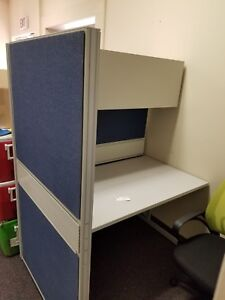 Cubical walls with desk