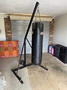 Heavy duty boxing bag and stand