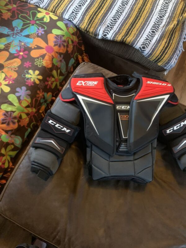 Ccm Goalie Chest Protector Shield 2 Adult Small