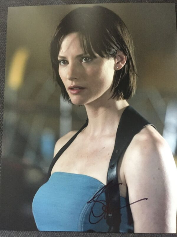 Resident Evil Sienna Guillory Autographed Signed 11x14 Photo COA