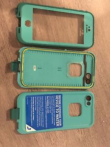 Lightly used life proof iPhone 5, 5s, SEcase